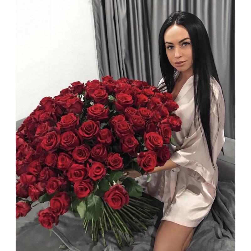 101 роза Фридом 70 см.